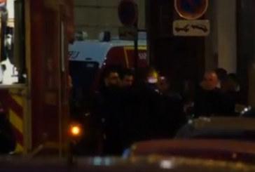 Ето кой е нападателят от Париж, щракнаха белезници на родителите му