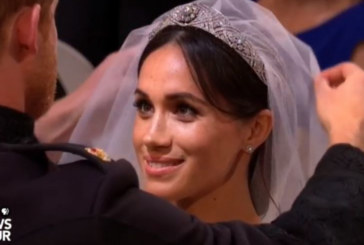 Първата целувка на новото кралско семейство е вече факт /СНИМКА/