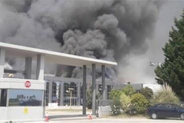 Пожар погълна завод за батерии край Ксанти, 6 села и курорт са евакуирани
