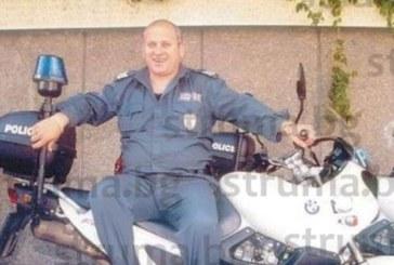 Бившият полицай Колевеца обзаведе гробница с мека мебел за покойния си тъст