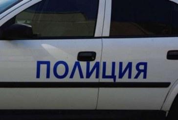 Разярен шофьор нападна полицай, ядосан, че работи бавно