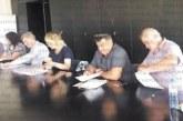 """Неочаквано! Шивашката фирма """"Милена"""" остана без база, конкурент надцака с 30 лв. Й. Слатинска и Д. Тадаръков"""