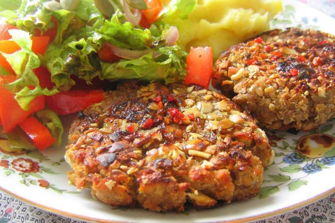 Вегетариански кюфтенца от леща и гъби