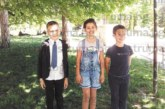 Талантливи кюстендилски деца от Школата по народно пеене с професионални записи