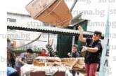Деца събират отпадъци, за да финансират пътуването си за участие в национален фестивал