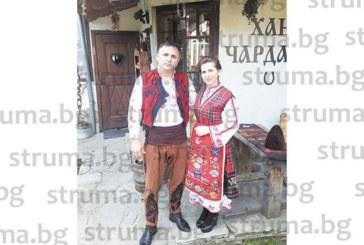 Фамилията на Г. Траянов от Спешна помощ – Благоевград празнува Гергьовден по уникален начин – с народни носии в полите на Пирин планина
