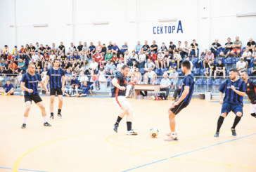 Работнически футбол вдига адреналина на феновете в Петрич