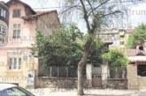 """Стоматологът д-р Ив. Корчев вдига къща до ресторант""""Бунара"""", разрешават му 80% плътност на застрояване на тесния терен"""