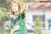 Абсолвентка в ЮЗУ се поздрави за завършването с 2 гола, циркът в първенството на дамите продължава