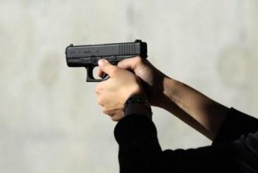 Кошмар в училище! 14-годишен простреля съученик