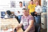 Общински съветник от Сандански почерпи щедро