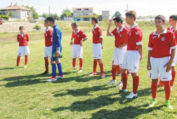 """Децата на """"Беласица"""" свалиха неврокопчани на 3-то място"""
