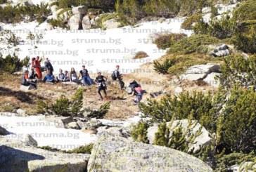"""Запалени туристи от Математическата се любуваха на сняг и минзухари по върховете над хижа """"Македония"""", огладнели """"ометоха"""" за минути чиниите с боб и леща, приготвени от хижаря"""