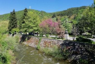 Кметът Камбитов забрани къпането и плуването в неохраняеми водни басейни на територията на община Благоевград