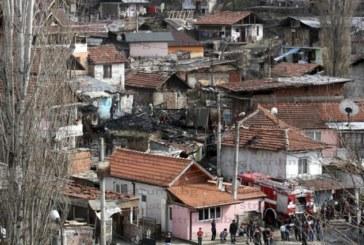 БАГЕРИТЕ В ГОТОВНОСТ! Процедурата задействана, събарят незаконните постройки в Предел махала