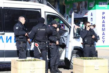 АКЦИЯ! Гъмжи от ченгета в центъра на София
