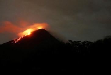 УЖАС В ГВАТЕМАЛА! Вулканът Фуего изригна отново