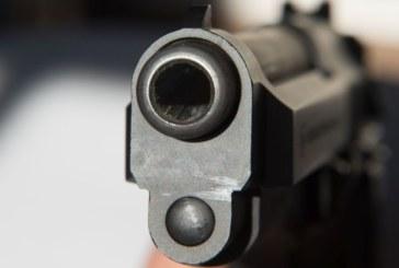 Мъж заплаши с пистолет шофьор на автобус при спор на пътя