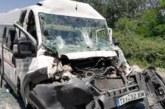 Тежка катастрофа! Петима ранени в удар на микробус и камион