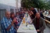 Сурвакарската група на Бело поле почерпи жителите на селото с вкусен курбан, изненадаха рожденичката Н. Бойчева със стилен букет