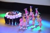 """Красиви изпълнения, синхрон и изкуство показаха децата на Благоевград в """"Дни на детското творчество"""""""
