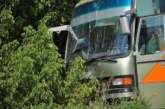 Касапница на пътя! Двама загинали, 10 ранени, тир се вряза в автобус