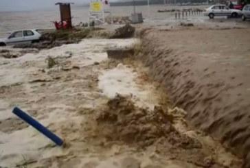 Леден душ за българите в Гърция! Бъркат с 500 евро в джоба след потопа