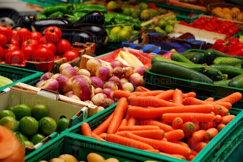 Три лева на ден ще плащат зеленчукопроизводителите за маса на новия кооперативен пазар в Петрич, търговците на дрехи - 6 лв.