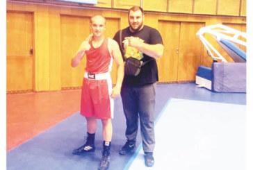 Шампионът по бокс П. Драгомиров пети в Европа