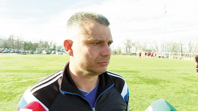 Благоевградският тандем Г. Бачев-И. Тренчев спасява футбола в Горна Оряховица