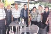 """13 съученици от 160 души випуск на Педагогическото училище в Благоевград се събраха 62 г. след завършването, реплика """"Който се чувства стар, да седи"""" изправи като пружини всички за обща снимка"""