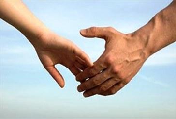 Погледнете ръцете му! Дължината на пръстите на мъжа показват дали е шампион в леглото