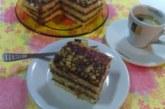 Торта със сладко от къпини и орехи