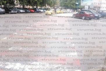 """ЧИТАТЕЛИ СИГНАЛИЗИРАТ! 6 м. след смърт на студентка, прегазена от камион  на """"зебра"""" пешеходните пътеки в Благоевград продължават да са в окаяно състояние въпреки разпореждането на главния прокурор до 30 юни нарушенията да бъдат отстранени"""