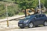 Багер падна в изкоп в Сандански