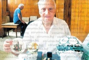 """Легендата на """"Ботев"""" /Благоевград/, потомък на казак, Иван Прошин: 50 години отдадох на футбола, проправих път на много момчета, днес играта е по-качествена, но мирише на пари"""