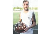 Посрещнаха с торта на терена голаджията от Крупник М. Тошев в Ливан
