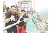 Благоевградската Меси стиска палци за ватрените с хърватски фенове на връх Мусала