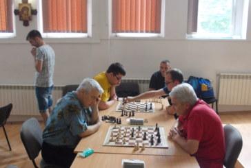 Хаосът в българския шахмат тласна гросмайстор К. Георгиев към националния отбор на Македония