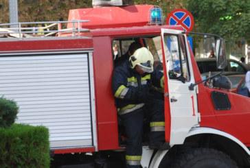 Огнеборци гасиха пожар в Петрич