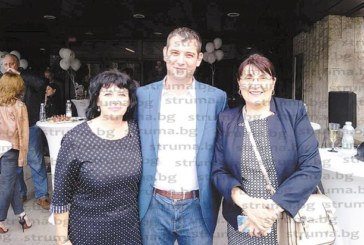 """Адвокат Анна Бистричка празнува 6-ия рожден ден на Движение """"България на гражданите"""" на стилно парти в столицата"""