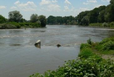 17-г. момиче попадна във воден капан в река Арда