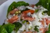 Оризова салата със сьомга