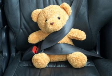 Родителите открили заключеното в кола 2.5-г. дете в безсъзнание