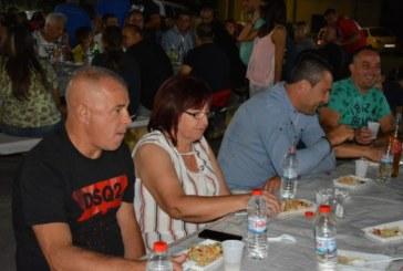 48 часа неспирен купон събра стотици в Крупник на курбан на кукерската група и традиционния младежки събор