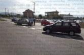 Смачкани ламарини край Метро! Благоевградчанин с лада се вряза във фиат