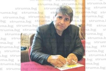 """Кметът с най-висока заплата сред управниците на малки населени места в бившата Дупнишка околия Кр. Маринов си купил къща 80 кв.м, половин декар парцел и """"Мерцедес"""", ОбС председателят Кр. Чаврагански декларирал 81 125 лв. доходи през 2017 г."""