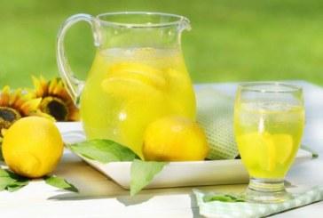 Вода с лимон и мед – за по-свеж ден и още нещо