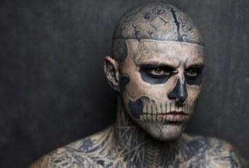 Самоуби се известният манекен Зомби Бой