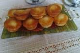 Ванилови мъфини с круши и натрошени бадеми